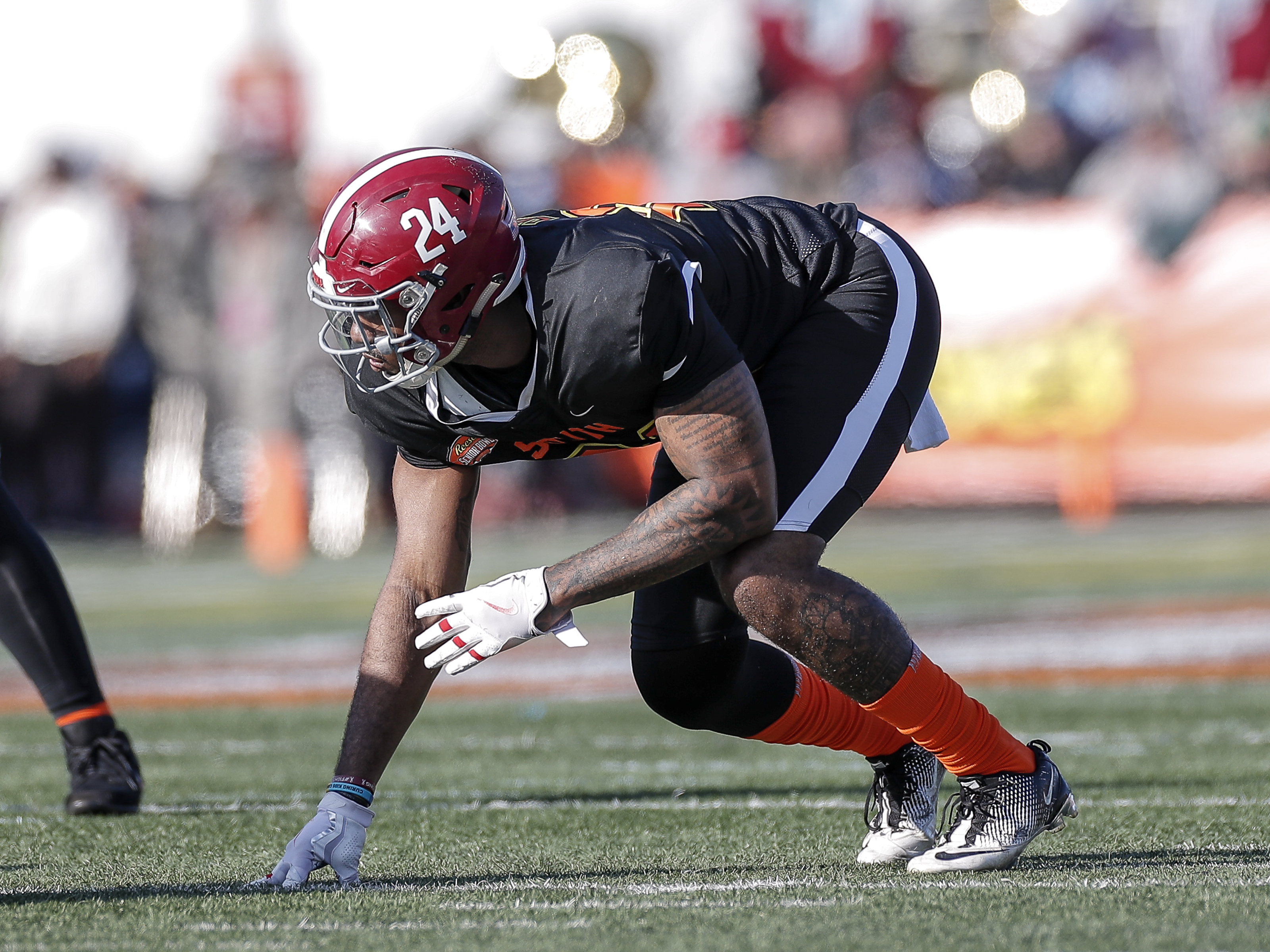 Who will be the best available edge defenders for the Steelers at pick 49?