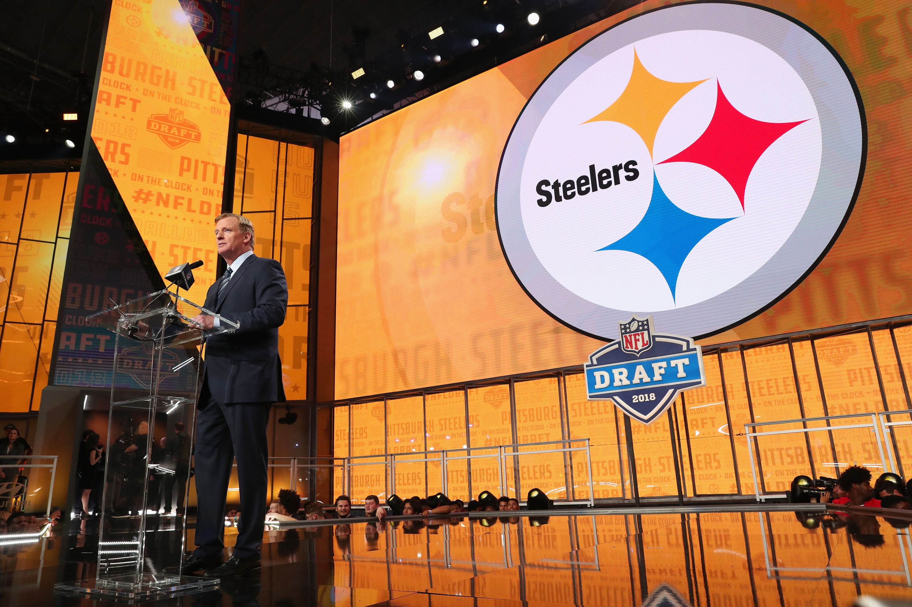 Steelers may go running back or tight end instead of receiver early in the NFL Draft
