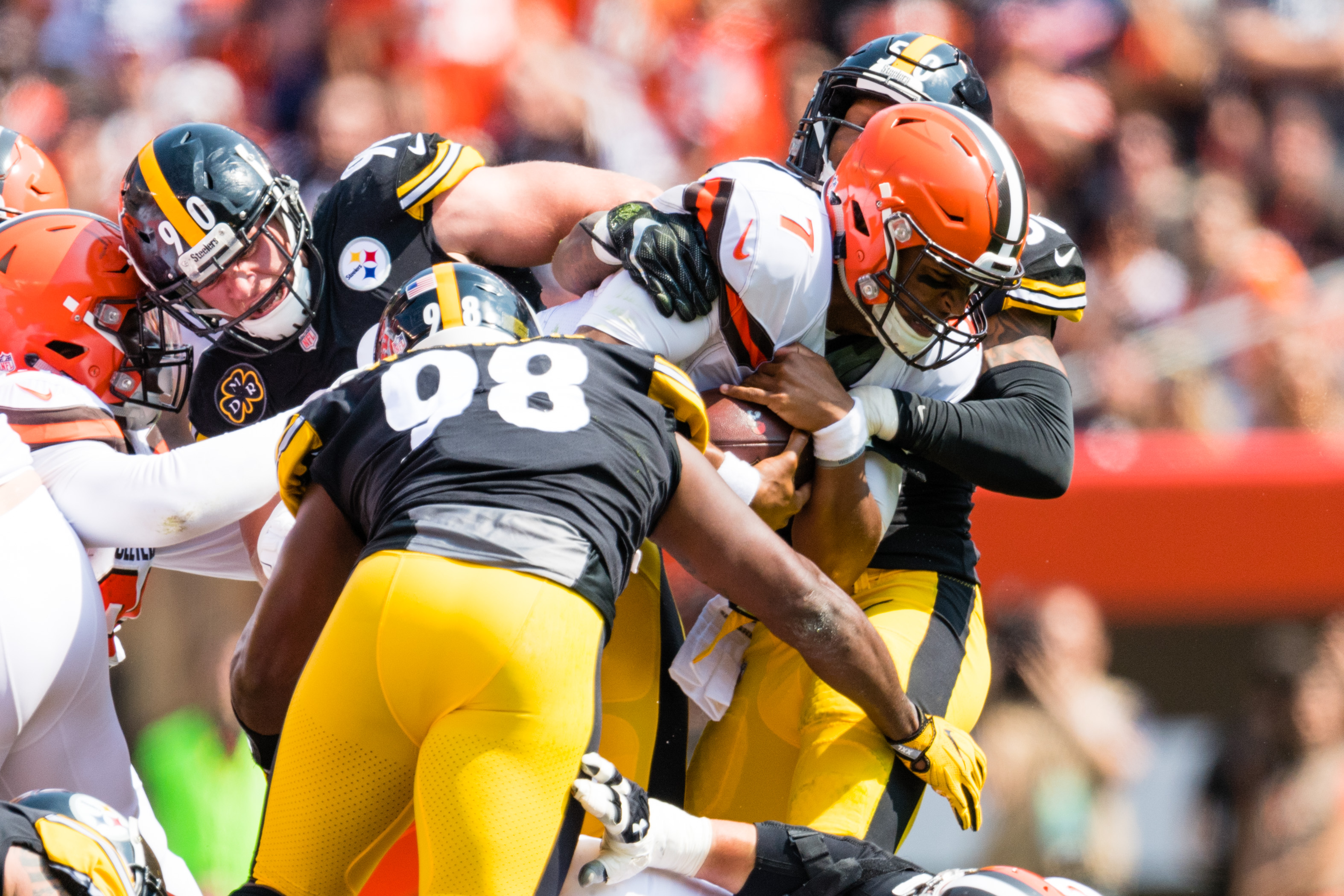 Pittsburgh steelers cleveland browns betting line how to bet on the kentucky derby at casinos
